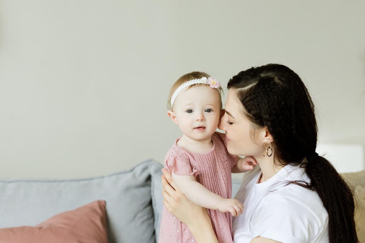 Børn 6-12 måneder (1 år): Råd, mad og kendetegn