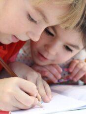 Hvornår starter børn i vuggestue og skole?
