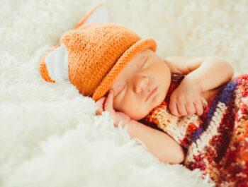 Hvor meget søvn skal babyer have?