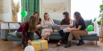 Baby shower gave: 5 ideer til gaver til baby shower